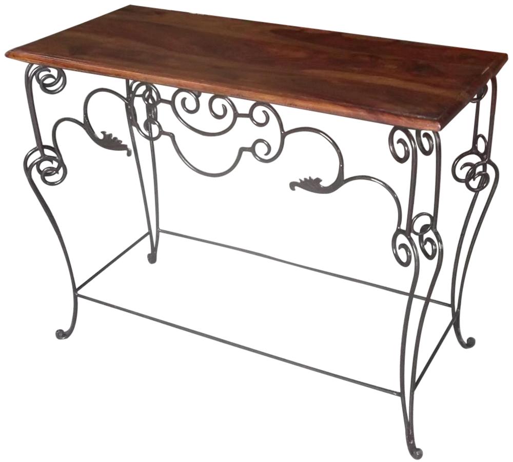 tavolini in ferro battuto per arredare il giardino