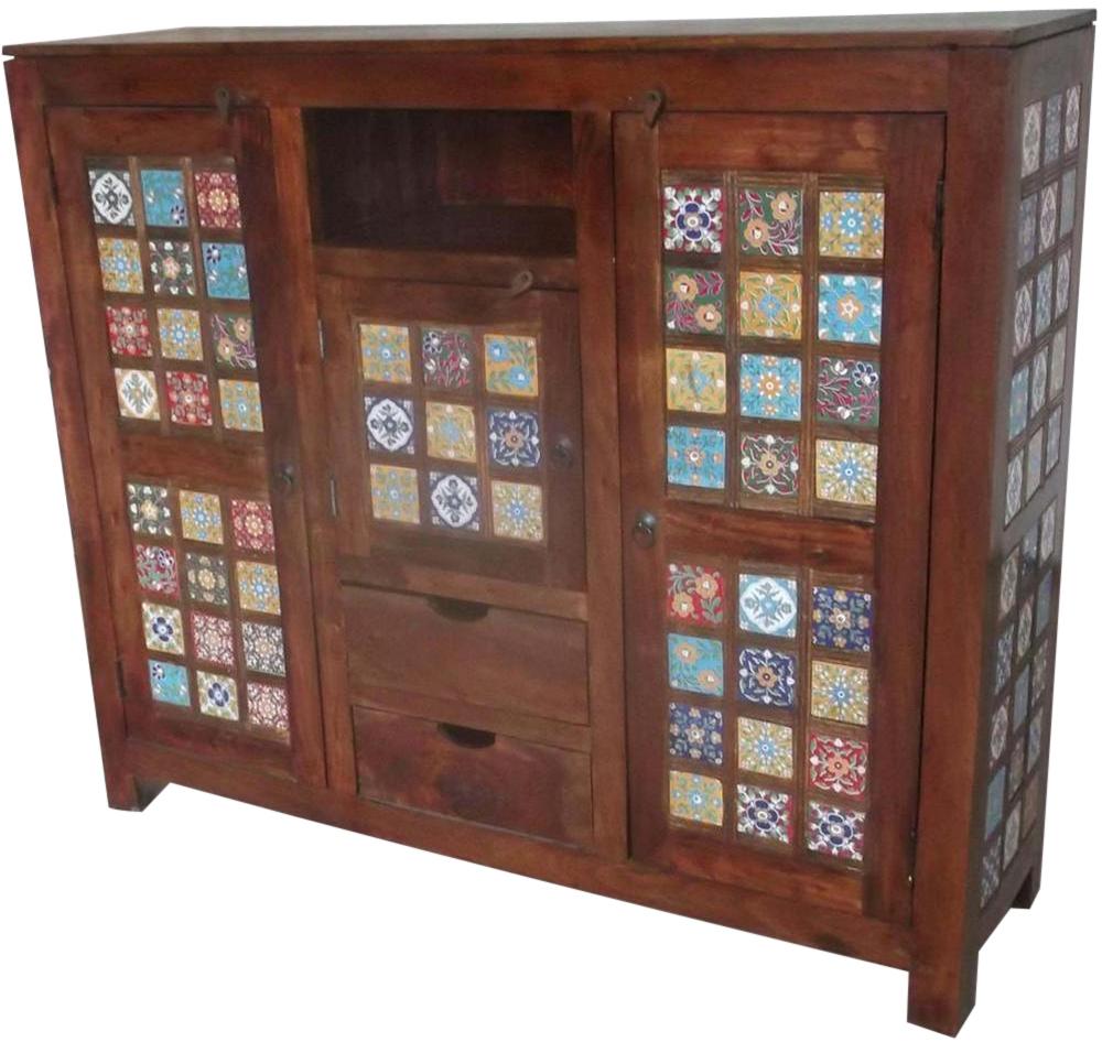 Arredare la cucina in stile etnico etnicart - Pomelli colorati per mobili ...